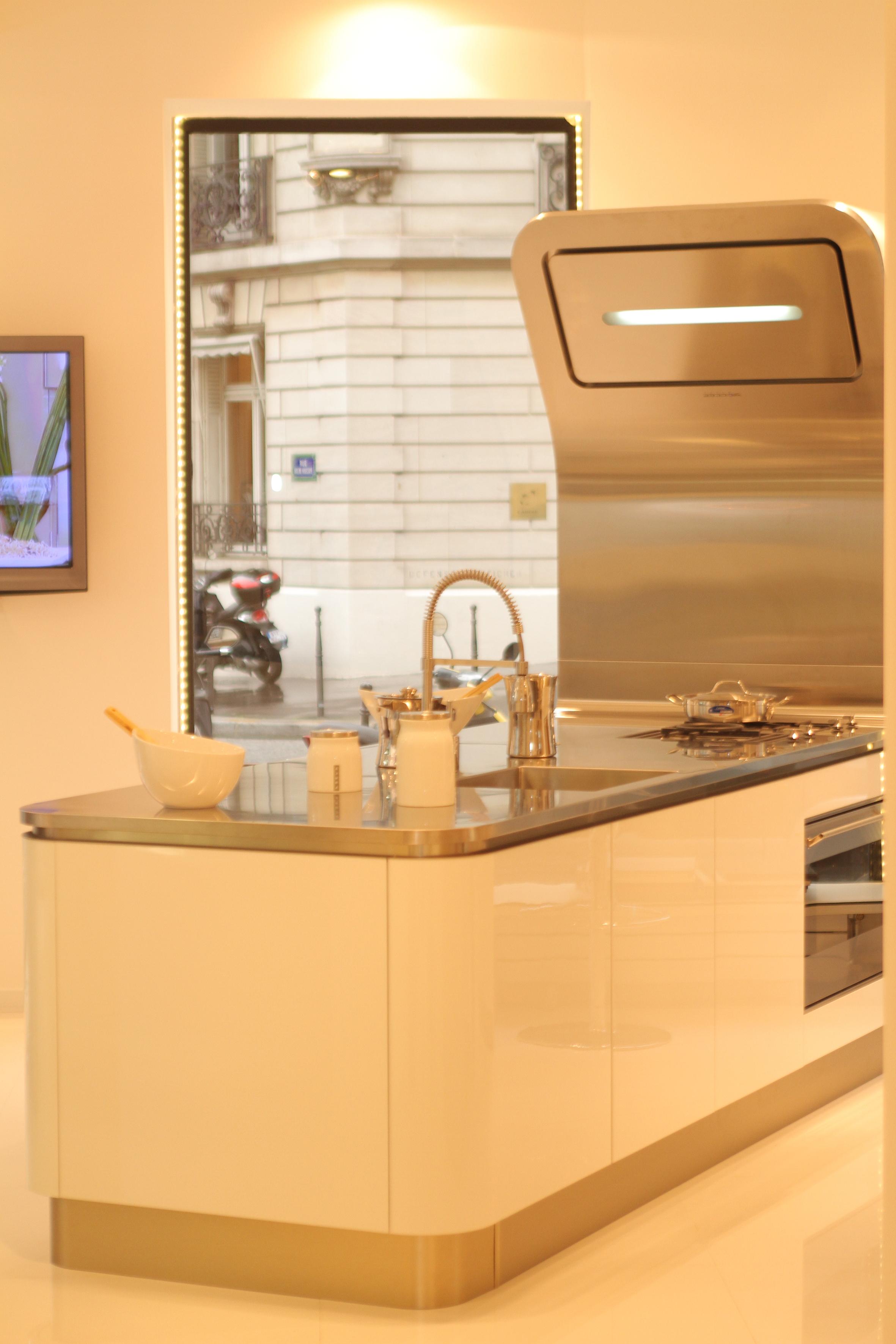 free photo cuisine compacte with cuisine compacte. Black Bedroom Furniture Sets. Home Design Ideas