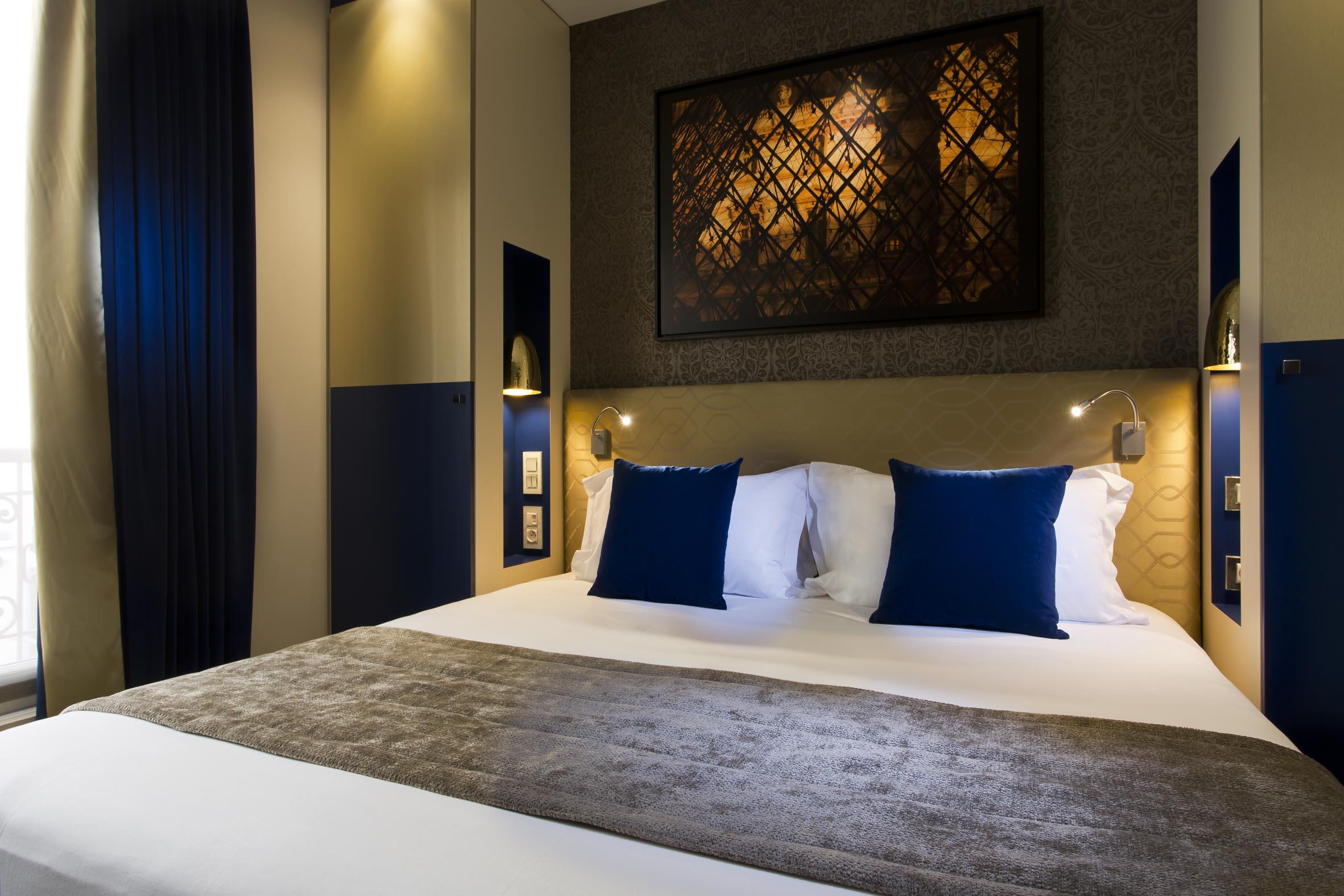atmosph res un h tel design c t paris 5e parisienne paris choses vues paris. Black Bedroom Furniture Sets. Home Design Ideas