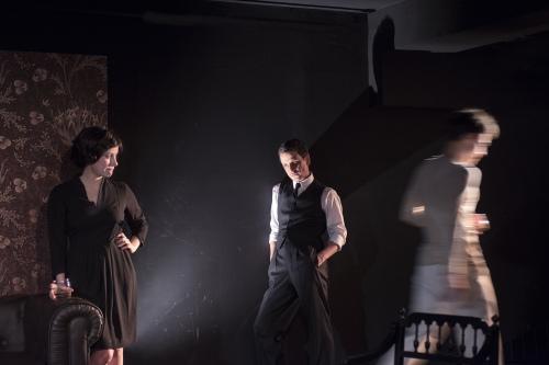 THE SERVANT de Robin Maugham - Mise en scene de Thierry Harcourt - Theatre de Poche-Montparnasse
